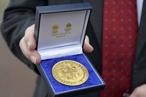 queens-medal-for-webDW