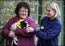 [L-R] Welsh rural affairs minister Elin Jones with Beverley Price, manager of the Bridgend Dogs Trust rehoming centre