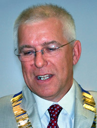 SPVS president Richard Holborow