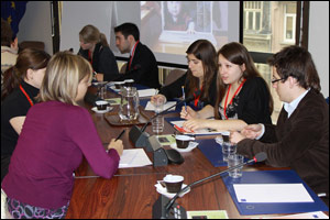 Young vets discuss the EU's One Health initiative and the role of vets in daily life. Image © European Union, 2010.